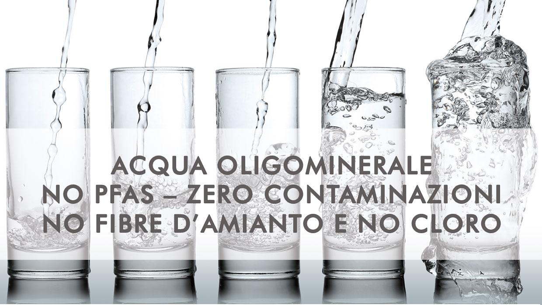 acqua oligominerale senza agenti inquinanti e pfas